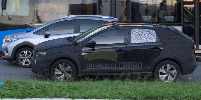 Cвежие снимки купеобразного паркетника на базе VW Polo