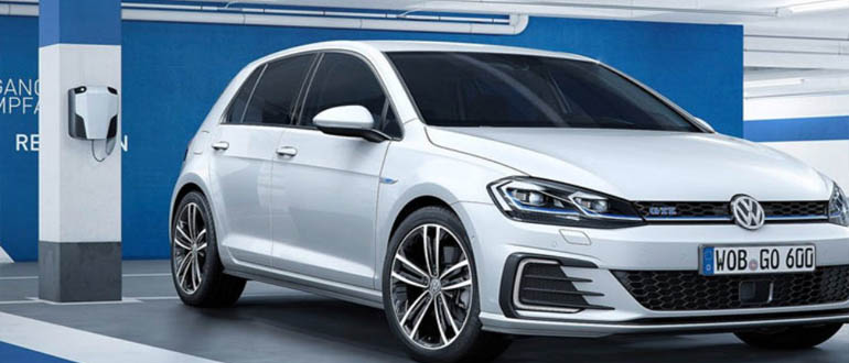 Volkswagen Golf маленькие автомобили для женщин фото и цены