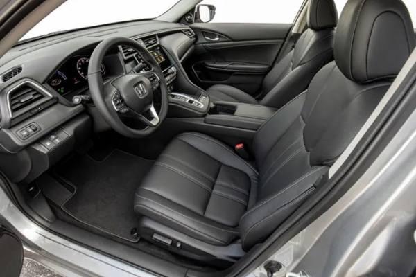 переднии кресла Honda Civic 2021 с подголовниками